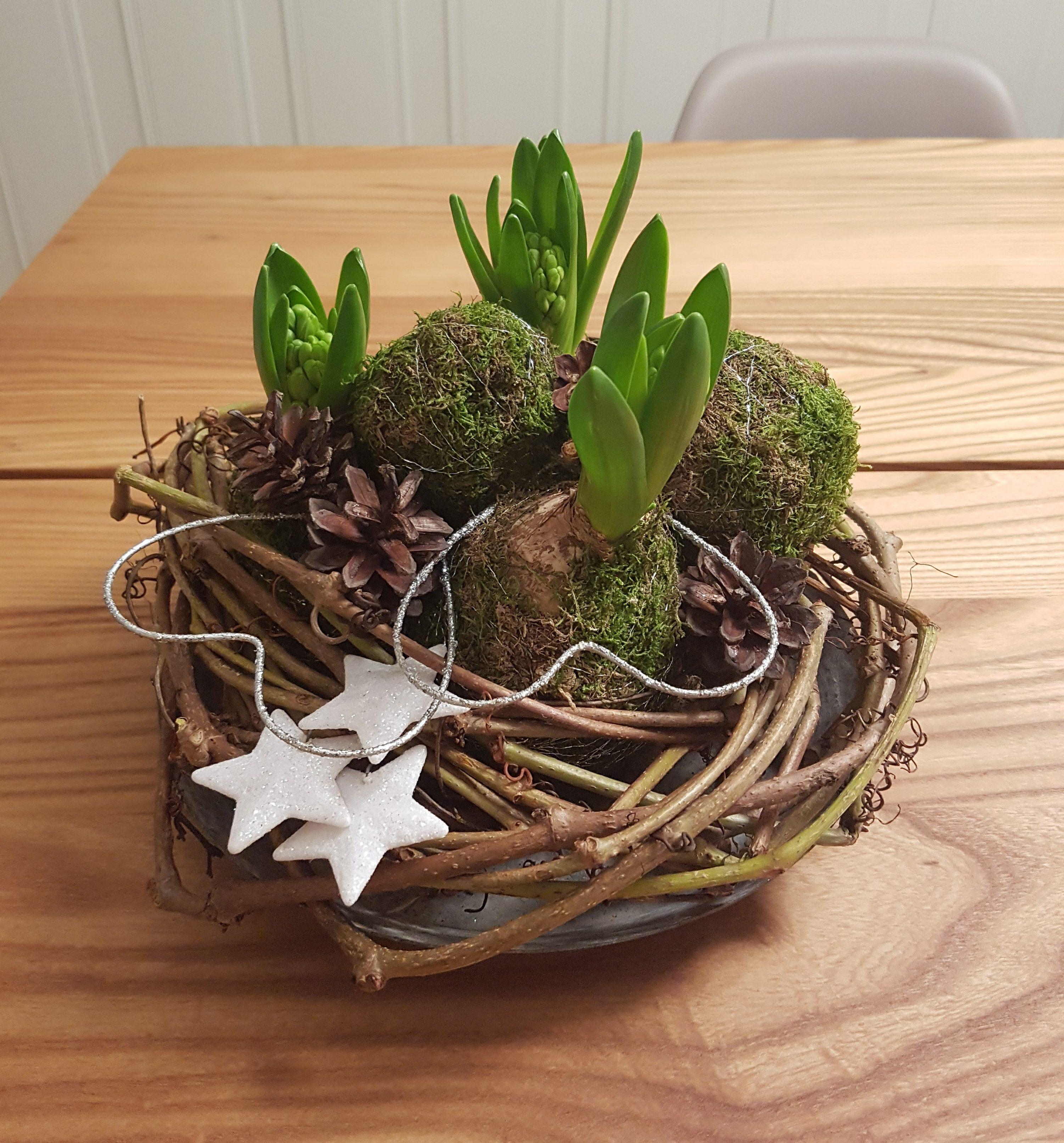 Juledekorasjoner med hovedvekt på naturmaterialer